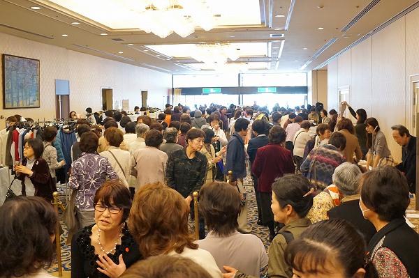 s-H28年3月19日ケアフレンズ岡山秋川雅史講演会バザー018